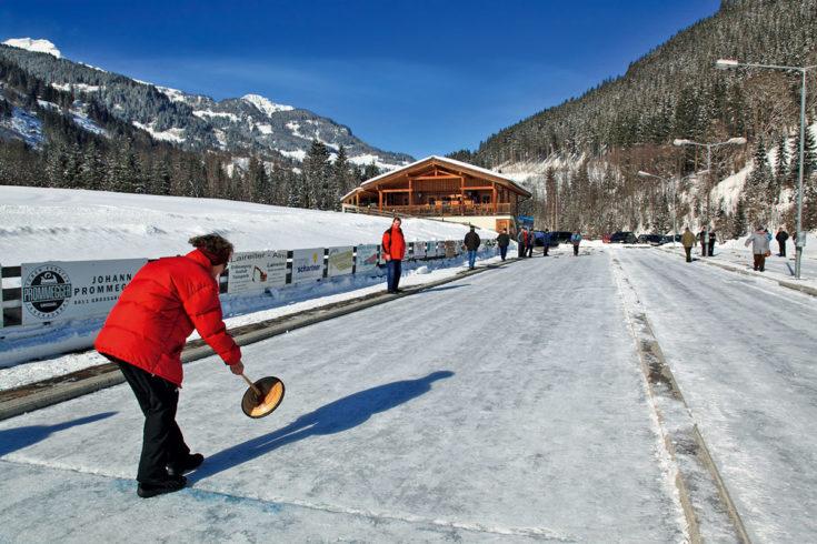 Eisstockschießen - Winterurlaub in Großarl, Ski amadé